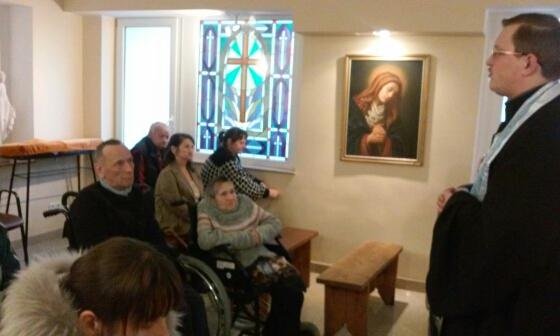 Молебны в домах престарелых