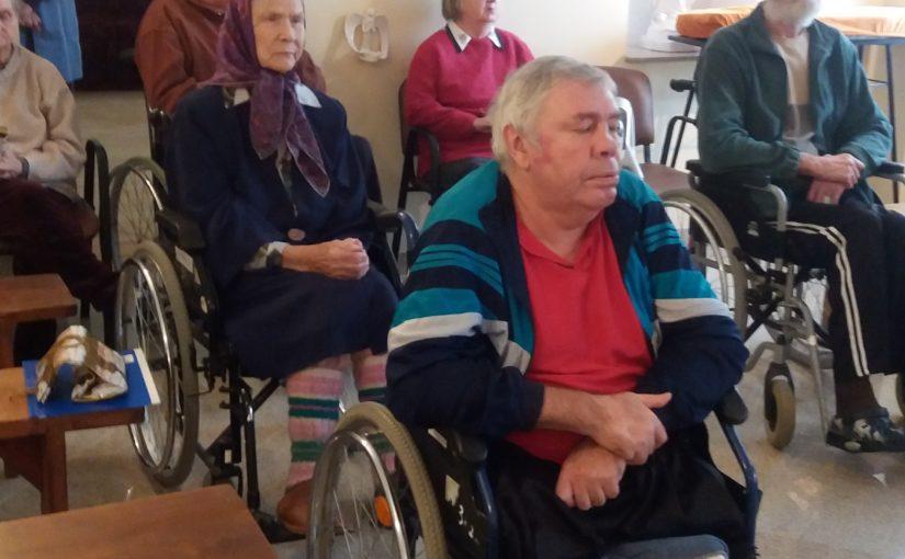 Молебен в доме престарелых «Antaviliu pansionatas»