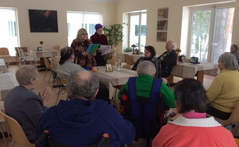 Чтение акафиста в отделении филиала реабилитации и ухода за больными «Сеневита»