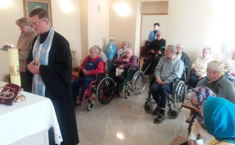 Молебен в доме престарелых Antavilių pensionatas