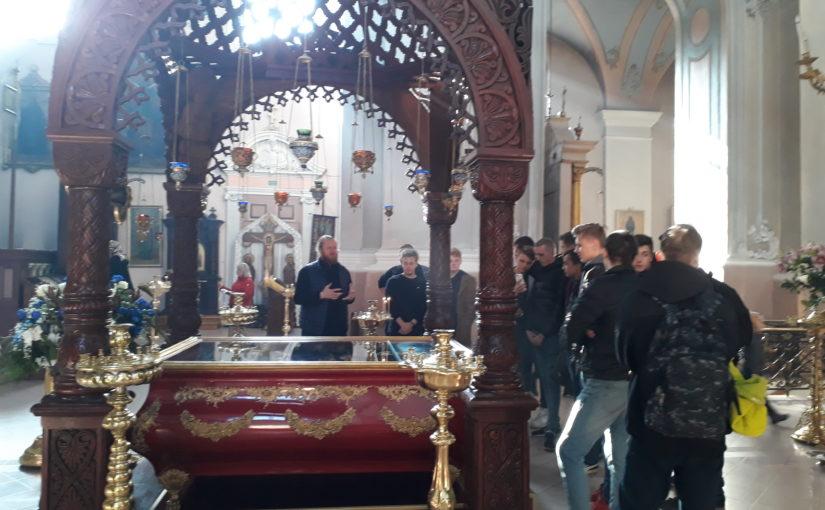 Экскурсия  для учащихся из Вильнюсской школы автомехаников и бизнеса в Свято-Духовом монастыре
